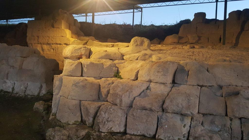 mura greche